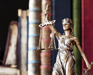 shutterstock_282421103 - Lady Justice midsize